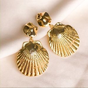 Mermaid Collection 🧜🏻♀️ Gold Sea Clams Earrings